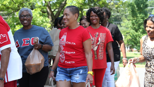 Delta Sigma Theta sorority celebrates its anniversary with big surprise for 9 Food Drive